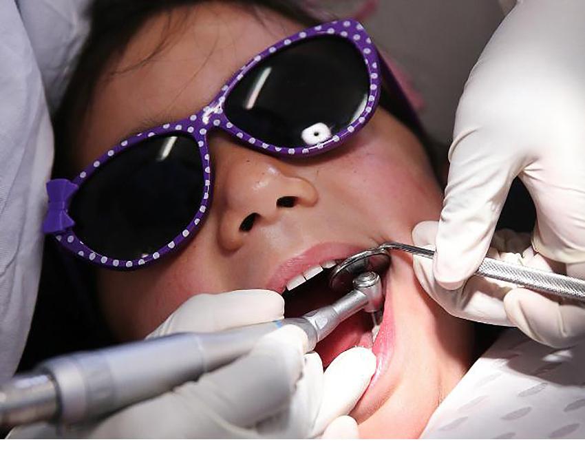 Essential Dental Primary School Kids Decayed Baby Teeth 03